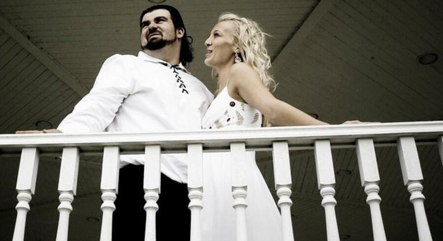 Antallet af bryllupper faldt kraftigt i 2009. Det samme gjorde gennemsnitsalderen for førstegangs-brudepar.
