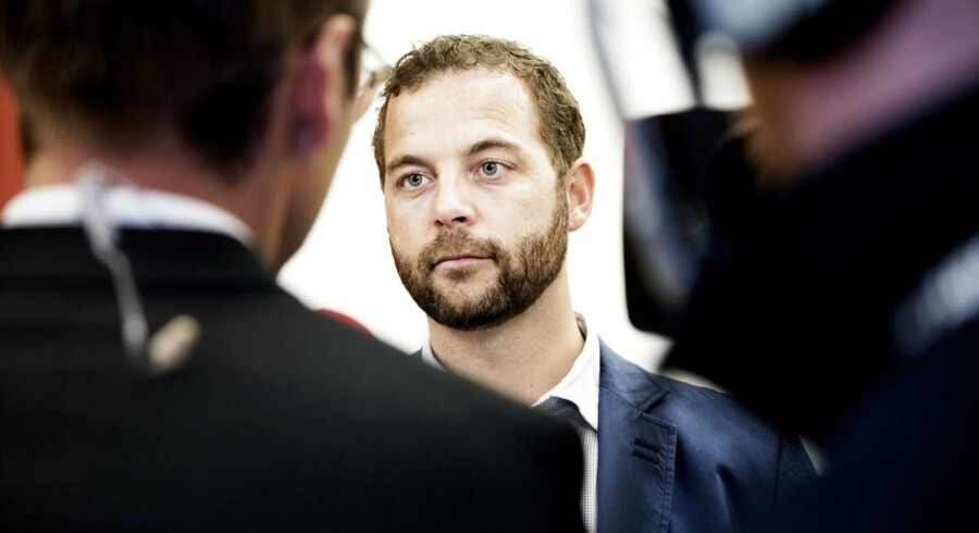 Skatteminister Morten Østergaard (R).