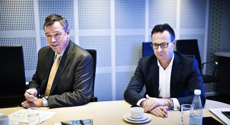Novozymes fremlægger årsregnskab i deres lokaler i Bagsværd tirsdag den 19. januar 2016. Til stede er direktør Peder Holk Nielsen (tv.) og økonomidirektør Benny D. Loft (th.).