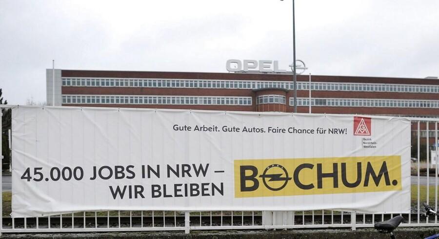 Bilproducenten Opel, der hører under General Motors, lukker fabrikken i den tyske by Bochum i 2016. Fabrikken laver bilmodellerne Zafira og Astra.