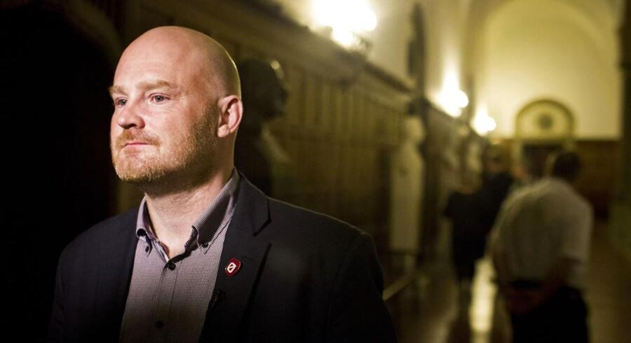 Morten Kabell har kun nået at sidde på posten som teknik- og miljøborgmester i Københavns Kommune i en måneds tid, før nye problemer med det store metroprojekt skaber støj i forvaltningen.