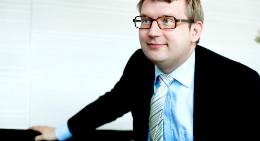 Skatten på lav- og mellemindkomster er ikke det højeste i verden - men lægges moms og andre afgifter til, så har skatteminister Troels Lund Poulsen førertrøjen.