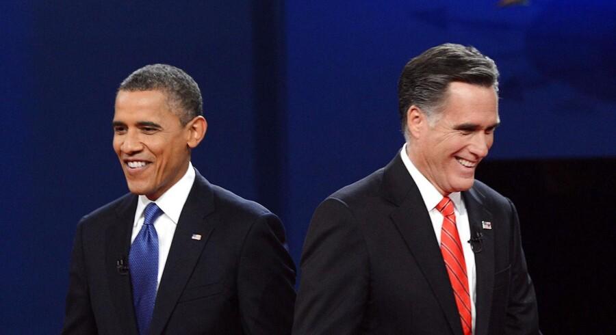 Hvis Wall Street havde en samlet stemme til præsidentvalget, så ville den nok falde på Mitt Romney, spår Jyske Bank.