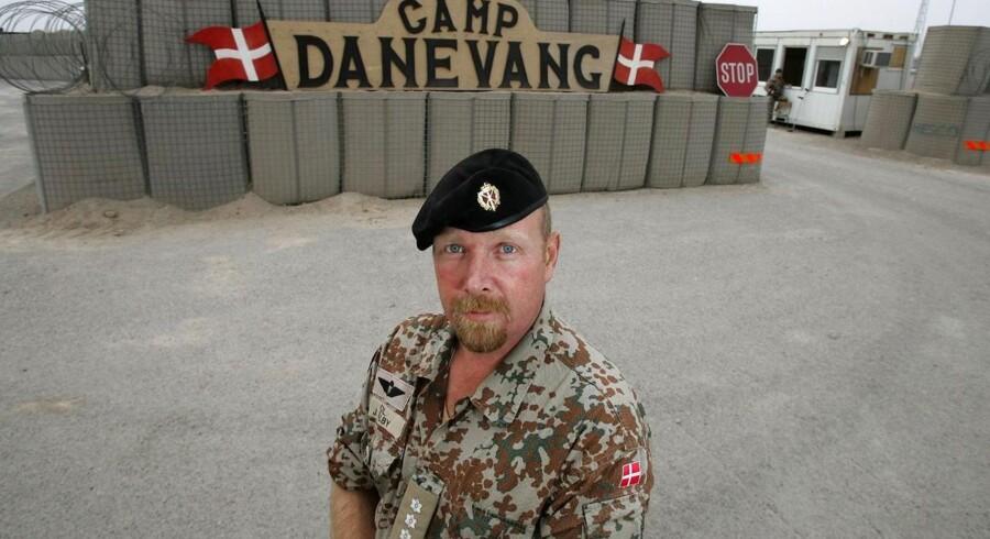 Oberst John Dalby.