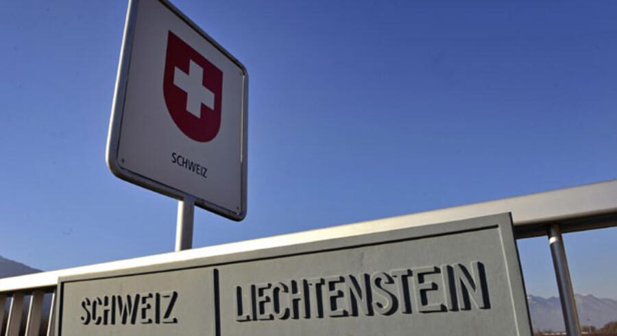 Schweiz og Liechtenstein har været populære skattely, men efter at de to lande har slækket på bankhemmeligheden, har mange skatteunddragere fået så kolde fødder, at de melder sig selv.