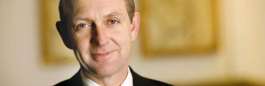 Administrerende direktør i Alm. Brand, Søren Boe Mortensen, kunne torsdag melde om et halvårstab på knap trekvart milliard kroner.