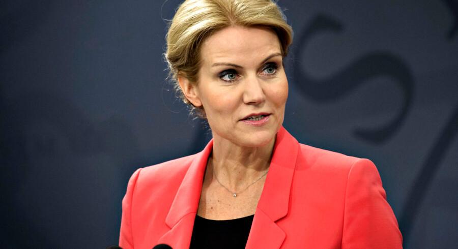ARKIVFOTO 2013 af Helle Thorning-Schmidt- Se RB 1/6 2013 16.38. Kommentator Lotte Hansen vurderer, at kritik af regeringens finanspolitik kommer fra de sædvanlige S-aktører.(Foto: Jens Nørgaard Larsen/Scanpix 2013)