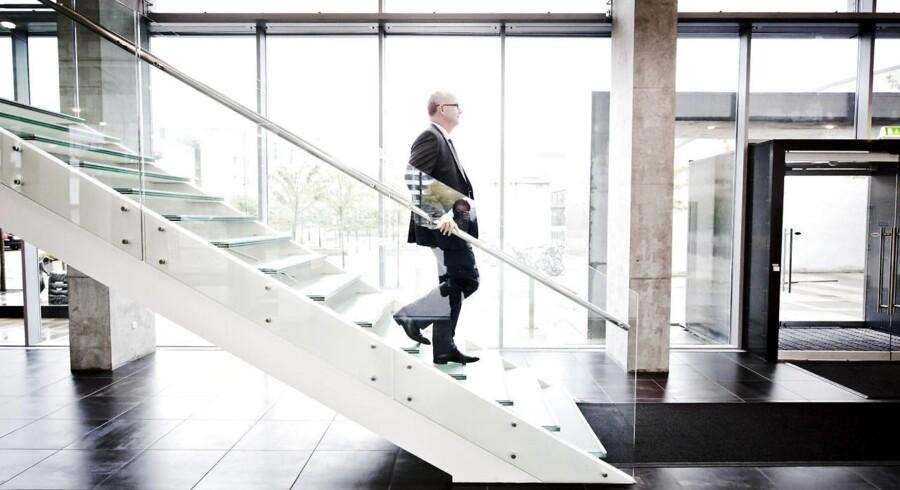 Lundbeck med Ulf Wiinberg i spidsen får tæsk på børsen for justeringen af målene som følge af store investeringer.