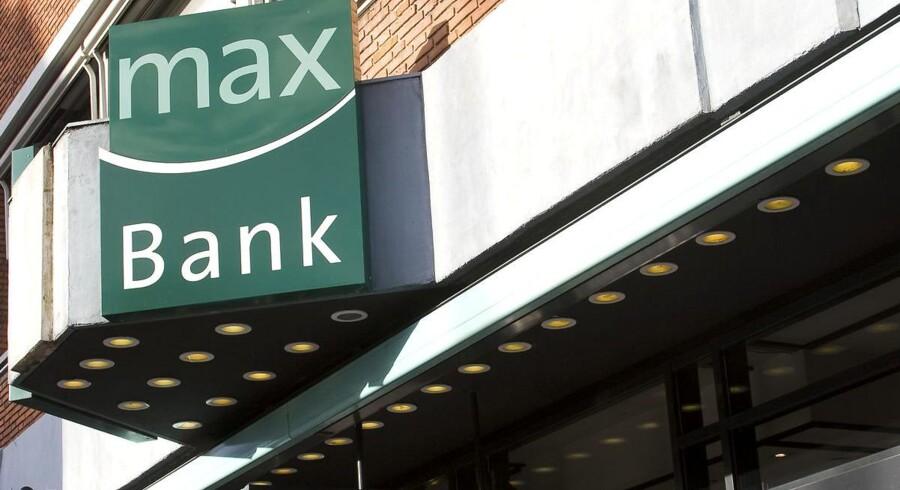Bankrådgivere i Max Bank blev presset af ledelsen til at lokke kunder til at købe aktier i banken.