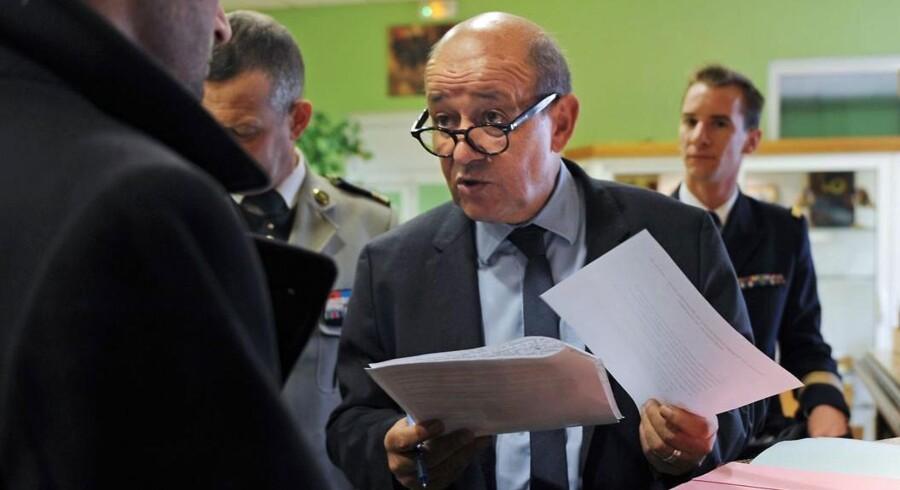 De 1.000 soldater sendes til Afrika i seks måneder. oplyser den franske forsvarsminister Jean-Yves Le Drian.