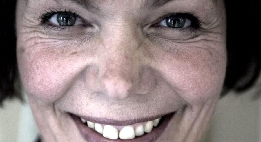 Arkivfoto fra 2005- Smykkekunstner Lise Aagaard der står bag fremstillingen af de populære danske smykker Troldekuglerne. Hver troldekugle har sin egen lille historie, med inspiration fra mytologien, astrologien, eventyret, faunaen, floraen, verdens forskelligartede kulturer, men ikke mindst fra dagligdagens nære liv.
