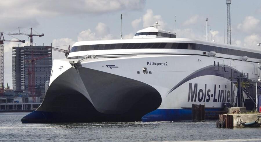 Særafgange for lastbiler om natten skal mindske presset på Mols-Linien, efter det tyske rederi FRS Group har lukket fragtruten mellem Kalundborg og Aarhus.