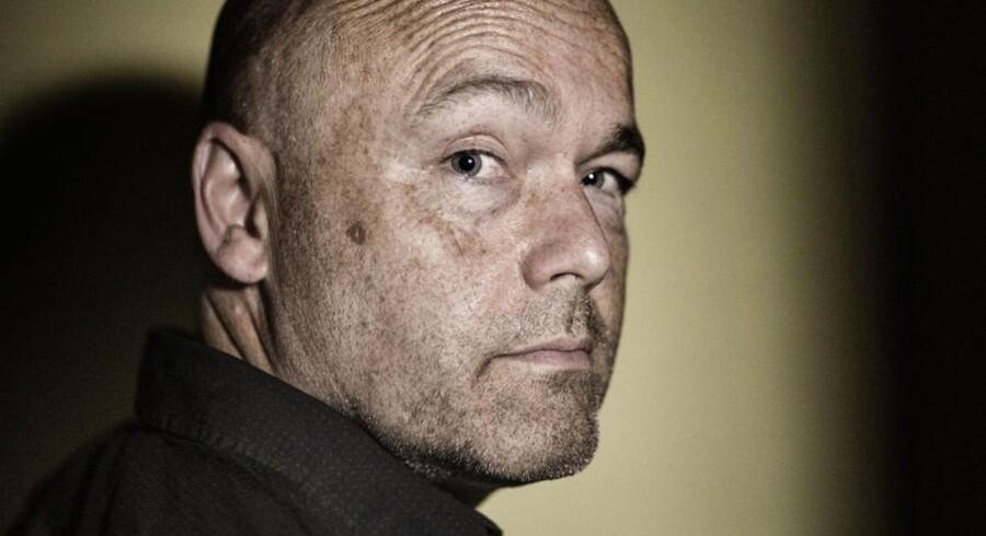 Peter Øvig Knudsen er dokumentarist, journalist og forfatter - heriblandt til et trebindsværk om Blekingegadebanden.