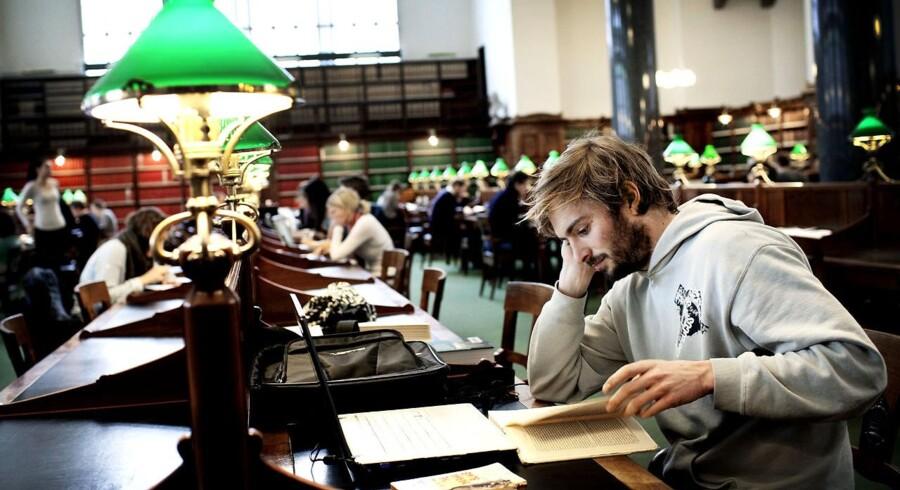 Ingen andre steder i Europa venter unge så længe med at begyndte at studere som i Danmark.