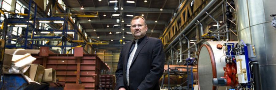 Aalborg Industries adm. direktør Jan Vestergaard Olsen i produktionen.