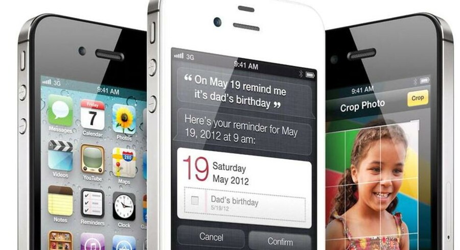 Ny iPhone 4s blev udsolgt på mindre end en dag online. Kunder, der vil købe den straks, må ned og stå i kø foran Apples butikker.