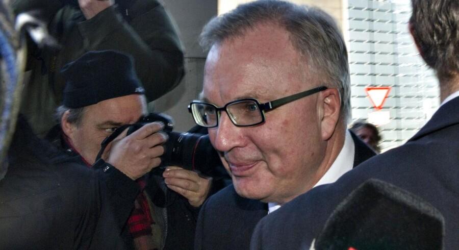 Bestyrelsesformand Fritz Schur ankommer til SAS-huset i Kastrup.