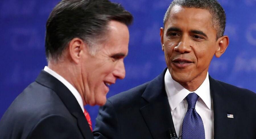 Lille fordel Obama - det må være den forsigtige konklusion på fredagens ledighedstal fra USA. Romney kan dog slå på, at jobvæksten primært finder sted i den offentlige sektor.