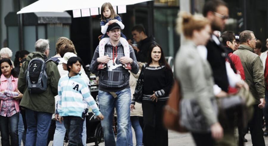Flere eller færre? I modsætning til andre iagttagere af dansk økonomi, vurderer Dansk Bank nu, at arbejdsløsheden vil falde næste år. OECD spår ellers, at arbejdsløsheden kan komme op ca. 200.000 næste år. Alligevel mener Dansk Bank, at tallet næste år falder til 113.100.