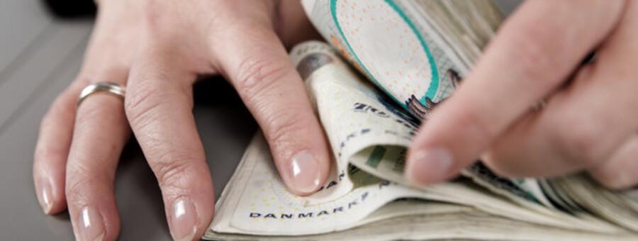 Er der penge nok i kassen - mange banker tæller på knapper i disse dage. Foto: Colourbox