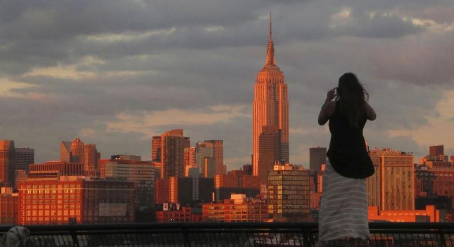 På trods af sin alder er Empire State Building stadig en markant del af Manhattans skyline. Her ses fra Hoboken, New Jersey.