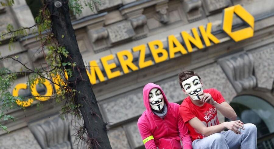 Commerzbank er den mest prominente af de tyske banker, der i dag har fået med kniven af amerikanske Moody's.