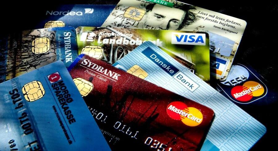 Danskere med kreditkort som eksempelvis MasterCard vil fra 1. oktober opleve, at det koster gebyr at betale med kortet i danske supermarkeder.