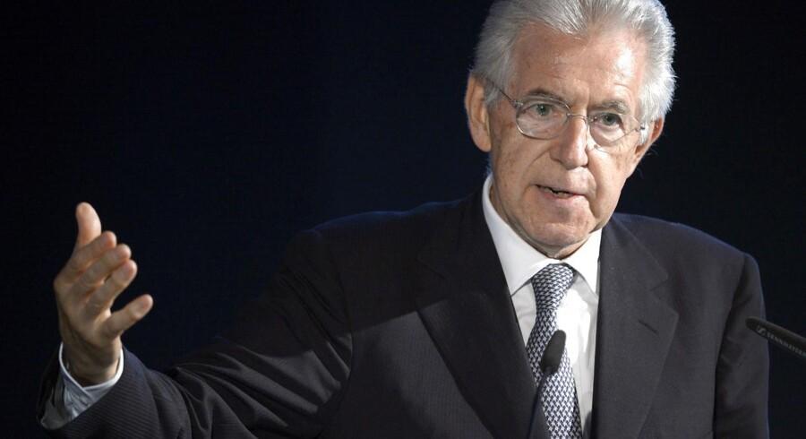 Italiens premierminister Mario Monti mener, at det er nu, eurozone-lederne skal træde i karakter.