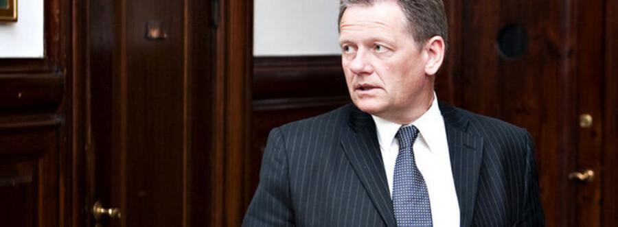 Transportminister Lars Barfoed vil i dialog med de pressede SAS-ansatte.