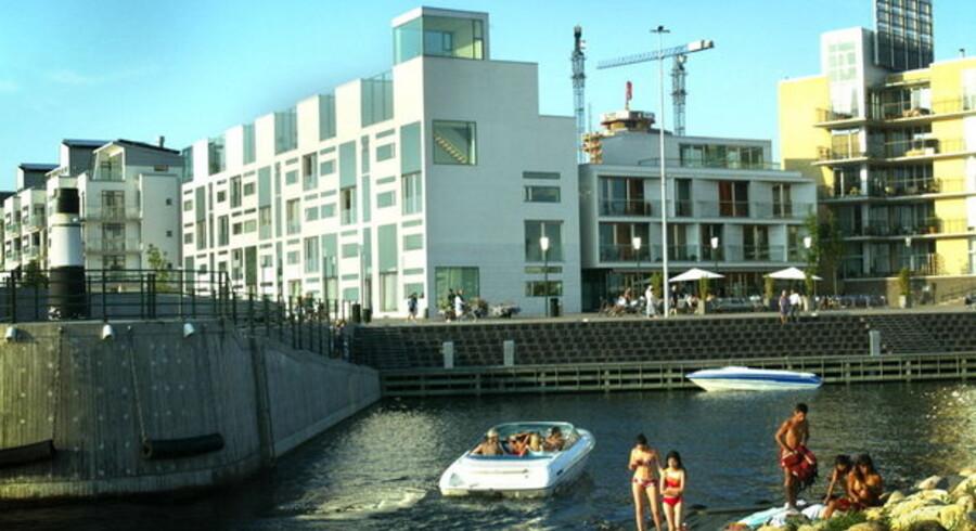 Skønt eksperterne gentagne gange har advaret om overophedning af boligmarkedet, så tror svenskerne ikke på det.