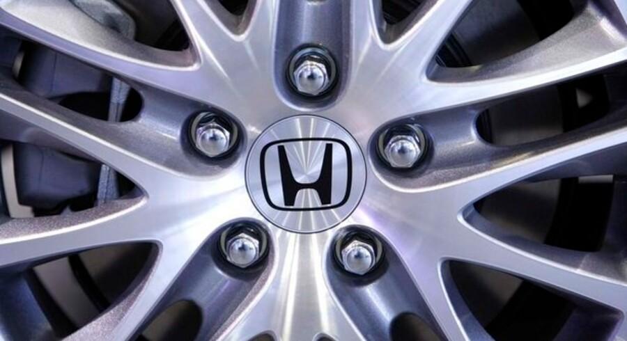 Honda fik overraskende overskud i kvartalet fra marts til juni, og har hævet forventningerne til årsresultatet.