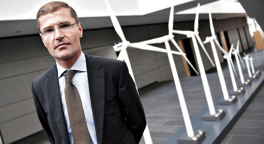 Omkring 10.000 danske aktionærer har forladt selskabet på bare otte måneder. Onsdag forlod Ditlev Engel chefkontoret.