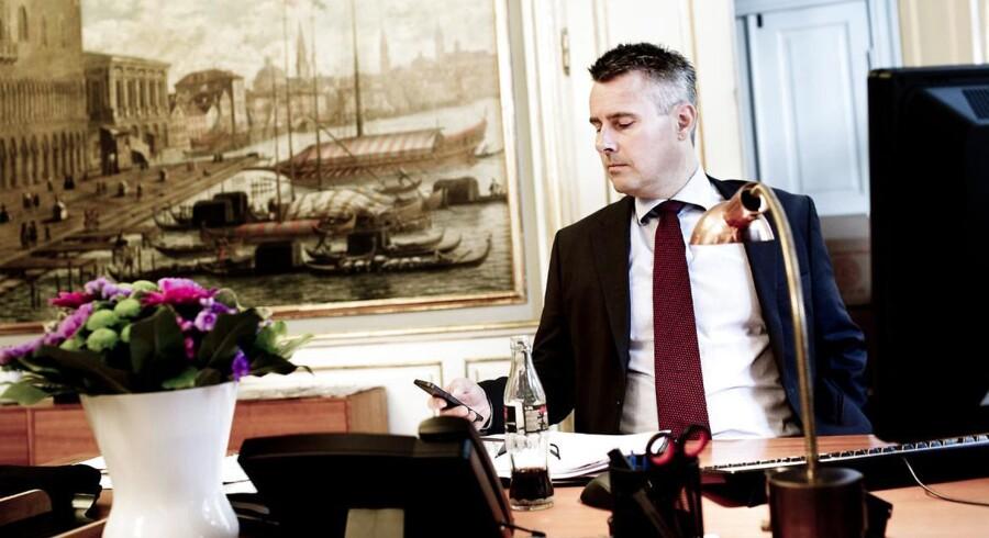 Erhvervs- og vækstminister Henrik Sass Larsen har fundet de folk, der skal udgøre Finanstilsynets bestyrelse.
