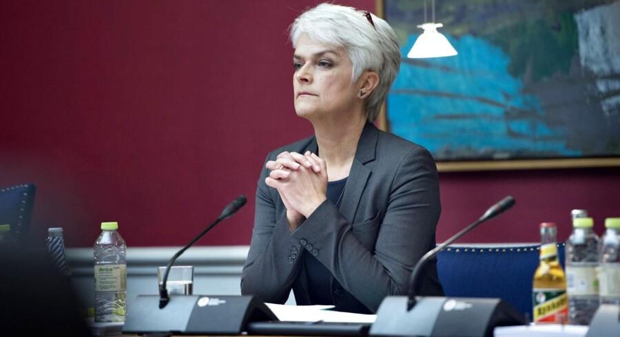Folketingets Finansudvalg har torsdag indkaldt social-, børne- og integrationsminister Annette Vilhelmsen (SF) i samråd om puljen til fremme af socialt udsattes valgdeltagelse.