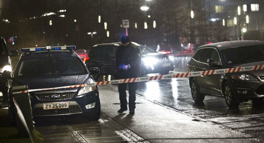 Flere sagesløse borgere er i den forgangne uge blevet forvekslet med bandemedlemmer og beskudt. Politiet tager udviklingen meget alvorligt. Arkivfoto fra et skyderi i Skovlunde, hvor en ung mand blev ramt af to skud 18. februar.