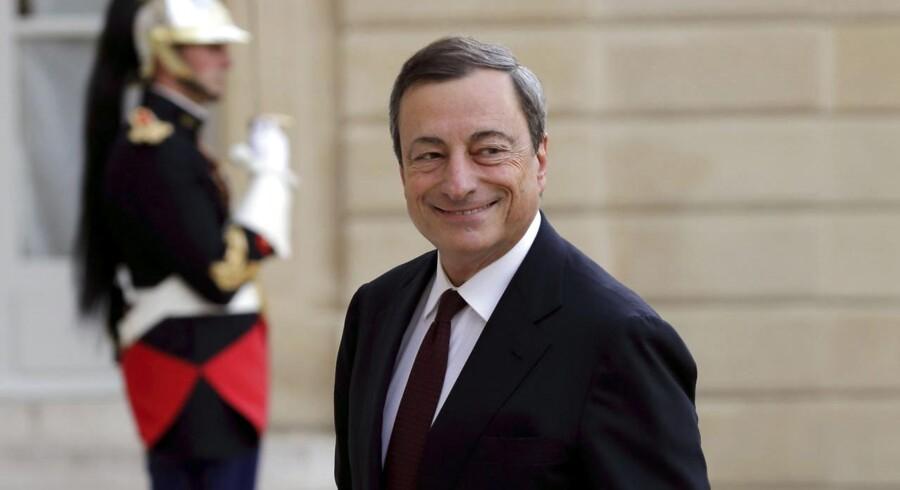 ECB-chef Mario Draghi talte pænt om økonomien men fastholder behovet for en lav rente i lang tid fremover.