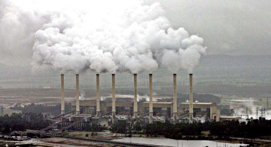 Arkivfoto af kulkraftværker