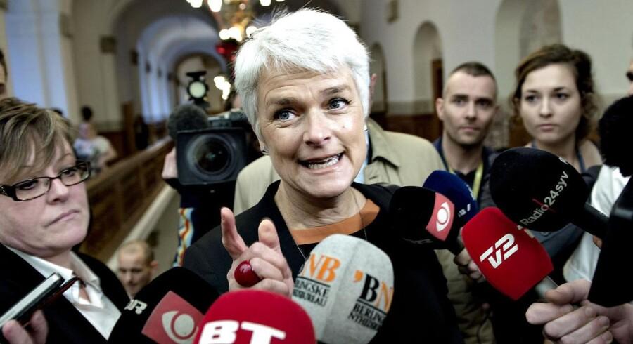 Alle beslutningsprocedurer blev tilsyneladende kortsluttet med socialminister Annette Vilhelmsens (SF) millionløfte til Lisbeth Zornig endnu inden, den tidligere formand for Børnerådet havde indsendt en ansøgning.