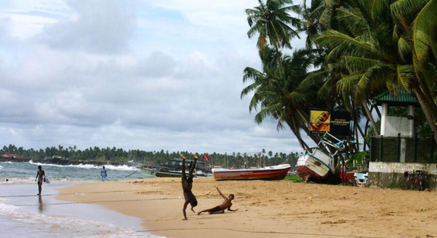 En dansk familie måtte udskifte sine betalingskort efter at have holdt ferie i Sri Lanka. PBS mener, at kortene kan være misbrugt under opholdet.
