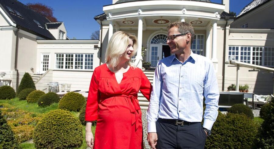 Ejendomsmæglerne Hanne Nørrisgaard og Peter Norvig vil gerne slippe af med deres egen millionvilla.
