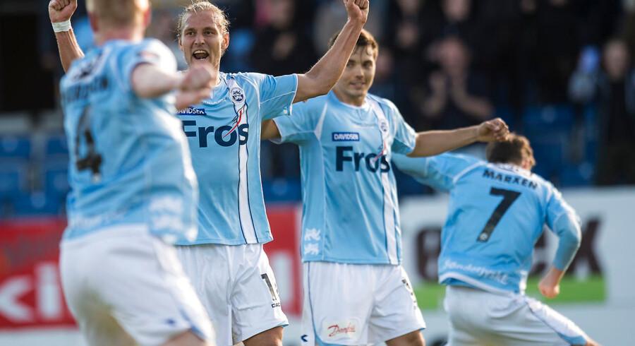 SønderjyskE har sikret sig endnu en sæson i Superligaen, efter de søndag spillede 1-1 mod FC Vestsjælland.