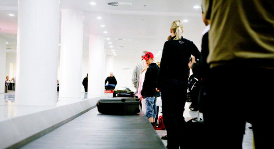 Skulle den australske investeringsbank Macquarie være på vej med et frasalg af Københavns Lufthavn, vil timingen mildt sagt være uheldig. Det vurderer aktieanalytiker i Sydbank, Jacob Pedersen.
