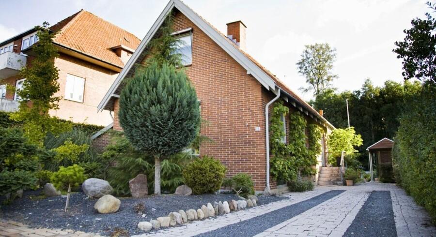 Mange kan godt lide en pudset facade, men man skal tænke over, at det fuldstændigt kan ændre et hus' udtryk, siger arkitekt Michael Møller.