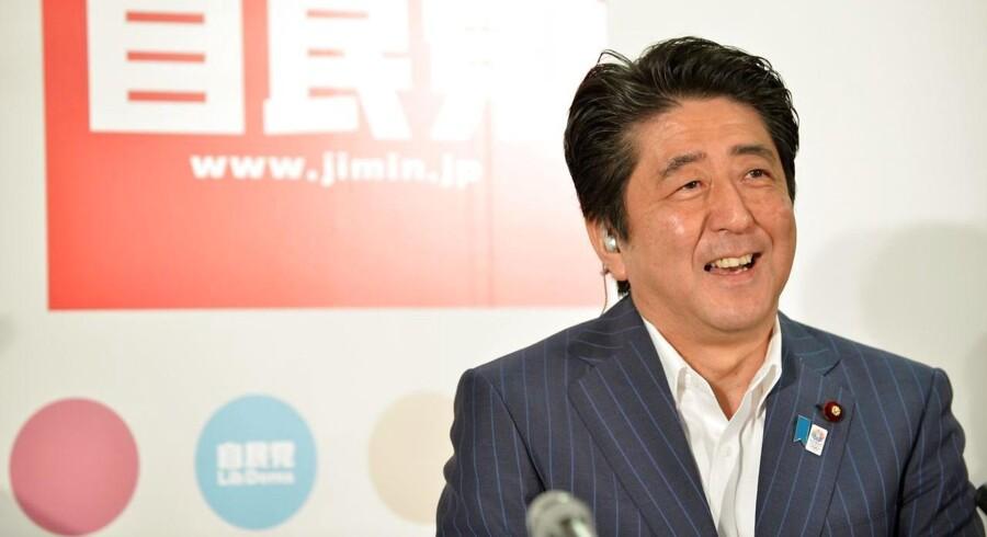 Den japanske premierminister og formand for de liberale demokrater Shinzo Abe vil have væksten i den japanske økonomi hævet fra 0,8 pct. om året til to pct.