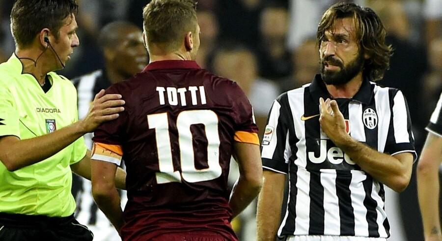 Der var mange diskussioner mellem spillere og dommer, da Juventus og Roma søndag aften tørnede sammen.