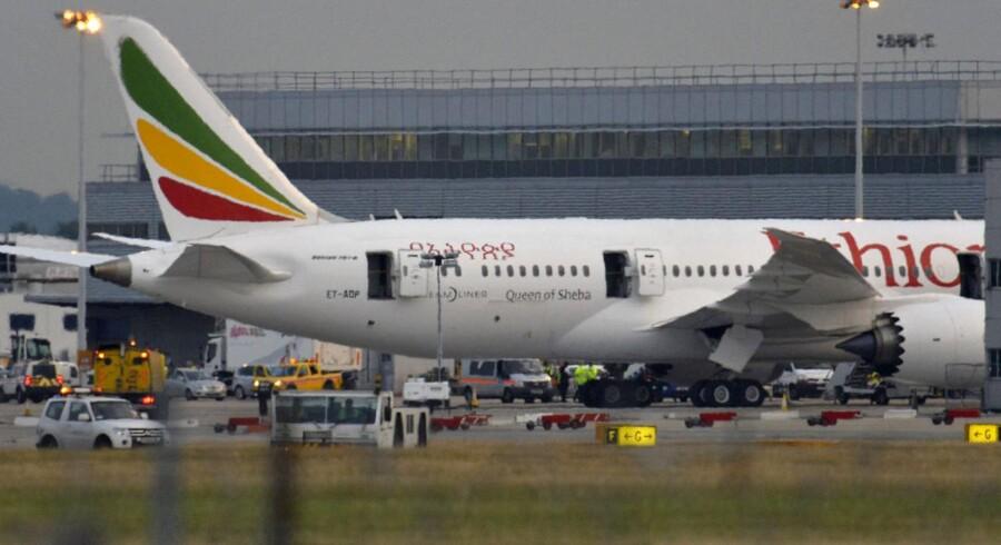 Her ses den Dreamliner, der blev ramt af en brand i Heathrow-lufthavnen.