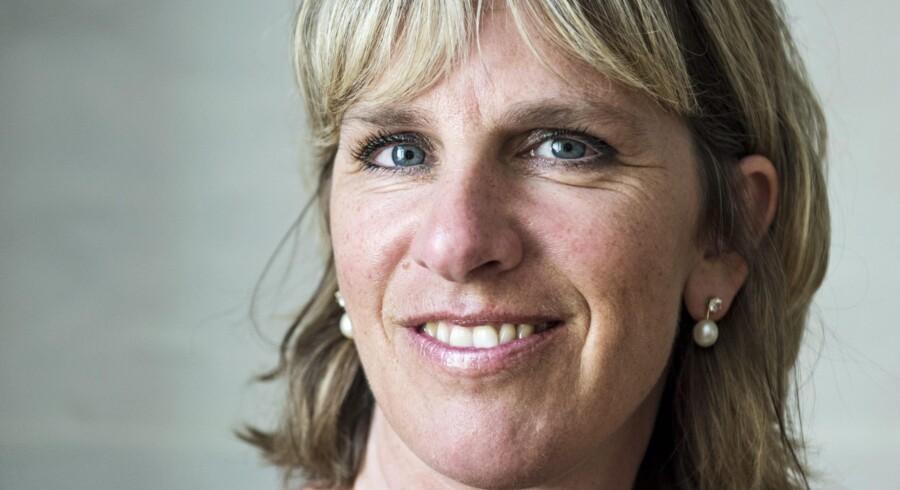Momondo satser på at vokse globalt. Adm. direktør Pia Vemmelund fortæller om sine planer med virksomheden, hvordan hun vil vende minus til plus og vokse globalt. Fotograferet i deres domicil på Amagertorv 19, d. 23 juli 2014