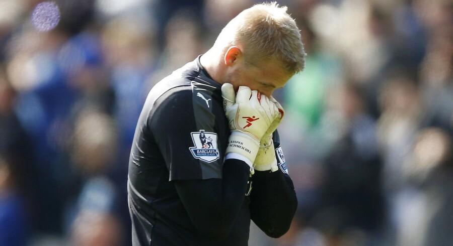 Kasper Schmeichel græmmer sig under søndagens kamp mod West Ham.
