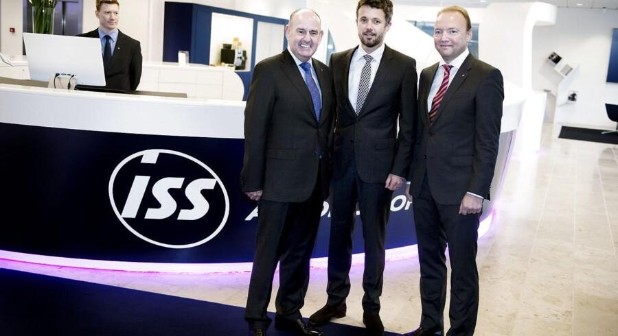I forrige uge blev Kronprins Frederik budt velkommen i ISS' nye hovedkvarter i Buddinge af bestyrelsesformand Lord Charles Allen (til venstre) og direktør Jeff Gravenhorst. Snart kan det være fondsbørsen, der byder ISS velkommen tilbage.