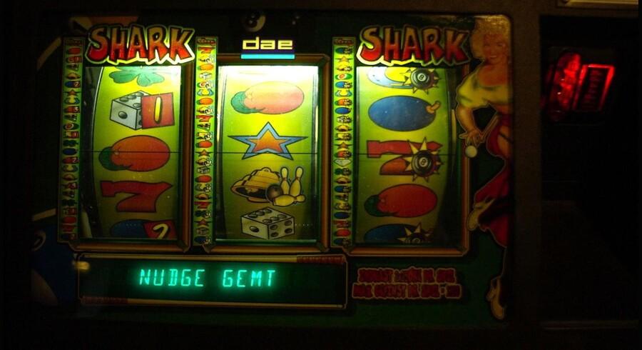 Danske Spil satser nu stort på de klassiske spilleautomater ved opkøbet af partnerens aktieposter i Elite Gaming, der er Danmarks største privatejede opstiller af de gevinstgivende spilleautomater.